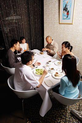 restaurant-group-meal
