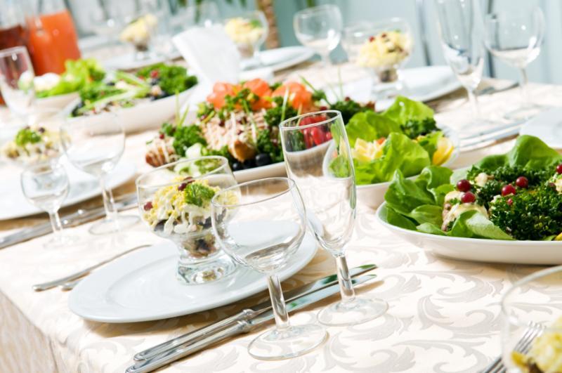 table_lots_food